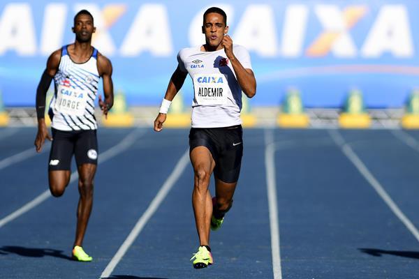 Aldemir Gomes da Silva wins the 200m at the Brazilian Championships (Wagner Carmo/CBAt)
