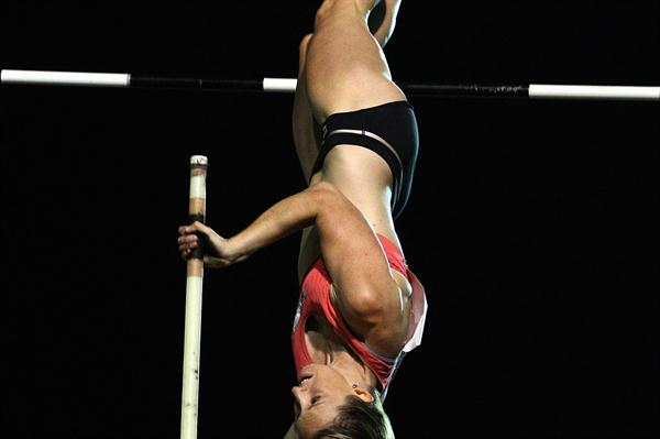 Alana Boyd vaulting in Perth (Getty Images)