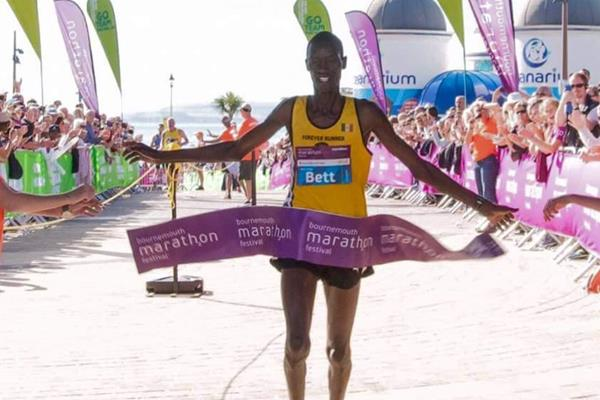 Stanley Kiprotich Bett winning the Bournemouth Marathon (Organisers)