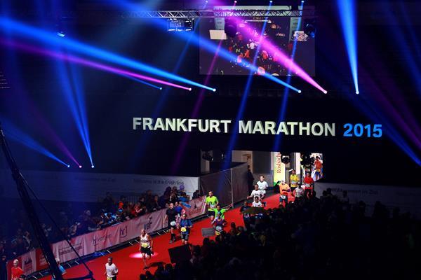 2015 Frankfurt Marathon finish area in the Festhalle (Victah Sailer / organisers)