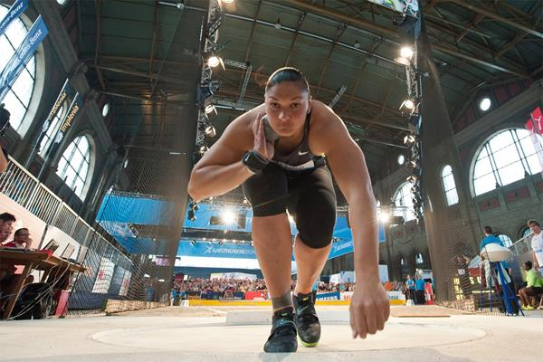 Valerie Adams at Zurich Main Station (Weltklasse Zurich)