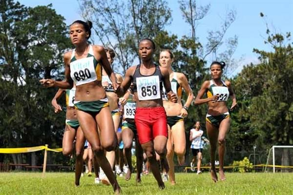 Lebogang Phalula (890) - ahead of Agness Chikwakwa (858) - on her way to the senior women's 8km victory at the 2009 Southern Africa Region XC champs in Mauritius (Clyde Koa Wing)