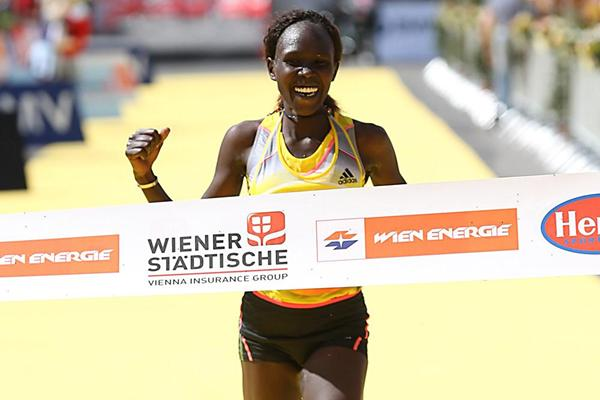 Flomena Cheyech Daniel triumphs at the Vienna City Marathon (Giancarlo Colombo)