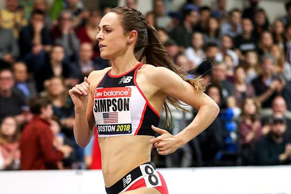 Jenny Simpson in the 3000m at the IAAF World Indoor Tour meeting in Boston (PhotoRun)