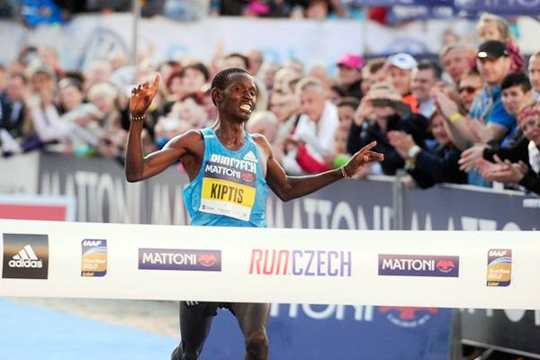 Josphat Kiptis wins the Olomouc Half Marathon (Mattoni Olomouc Half Marathon)