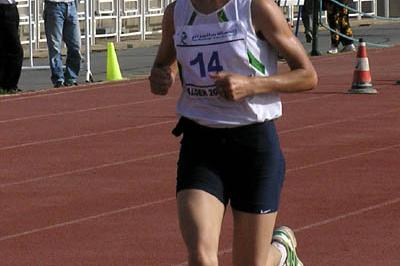 Souad Ait Salem (ALG) en route to All Africa Games Half Marathon title in Algiers (Carole Fuchs)