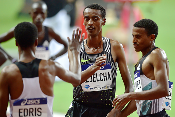 Yomif Kejelcha after winning the 3000m at the IAAF Diamond League meeting in Paris (AFP / Getty Images)