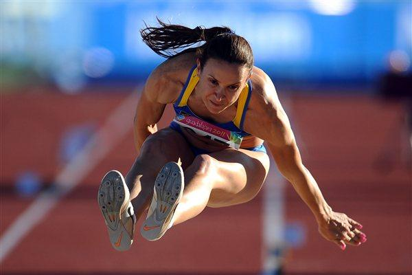 Maurren Higa Maggi sails to her third Pan Am Games title (Getty Images)