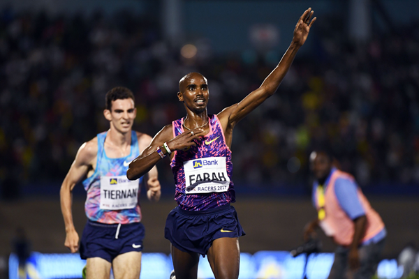 Mo Farah wins the 3000m at the Racers Grand Prix in Kingston (AFP / Getty Images)