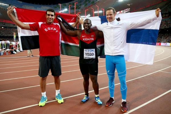 Javelin medallists Julius Yego (centre), Ihab Abdelrahman El Sayed (left) and Tero Pitkamaki (right) at the IAAF World Championships, Beijing 2015 (Getty Images)