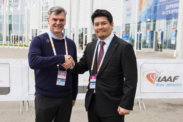 IAAF Deputy General Secretary Nick Davies with IeSF General Manager of International Relations Alex Lim (IAAF / IeSF)