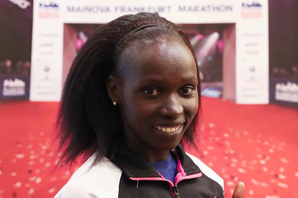 Vivian Cheruiyot ahead of the Frankfurt Marathon (Victah Sailer / organisers)