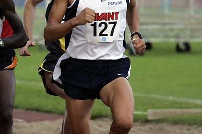 Jukka Keskisalo running in Tampere (Paul Noronen)