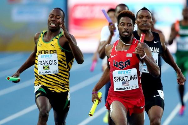 Jamaica's Javon Francis and USA's Brycen Spratling in the 4x400m heats at the IAAF/BTC World Relays, Bahamas 2015 (Getty Images)