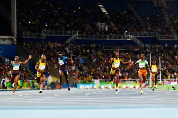 Elaine Thompson wins the 100m from Tori Bowie at the Rio 2016 Olympic Games (Getty Images)