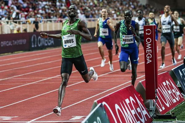 Nijel Amos goes sub-1:42 in the 800m at the IAAF Diamond League meeting in Monaco (Philippe Fitte)