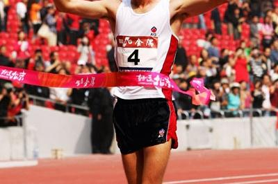 Jared Tallent wins the Beijing Race Walking 20km (Getty Images)