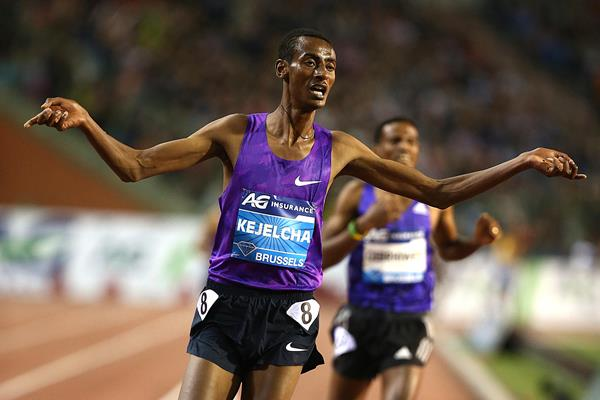 Yomif Kejelcha winning the 5000m at the 2015 IAAF Diamond League final in Brussels (Giancarlo Colombo)