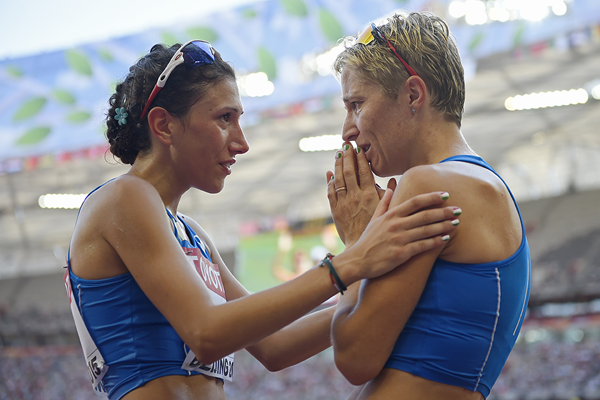 Antonella Palmisano and Elisa Rigaudo after the 20km race walk at the IAAF World Championships Beijing 2015 (AFP / Getty Images)