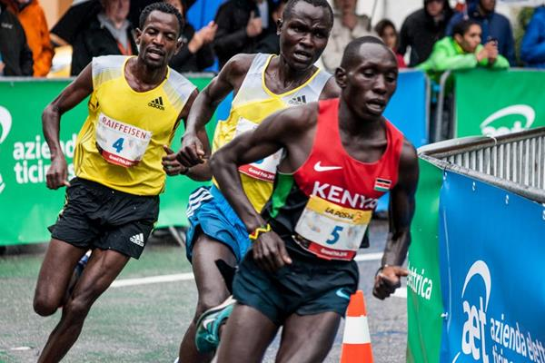 Cornelius Kangogo on his way to winning the Media Blenio 10km in Dongio (Andrey AK)