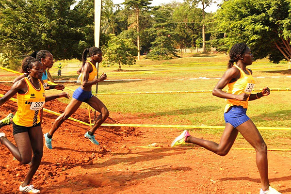 Mercyline Chelangat (centre) on her way to victory in the senior women's race at the Ugandan Cross Country Championships (Organisers)