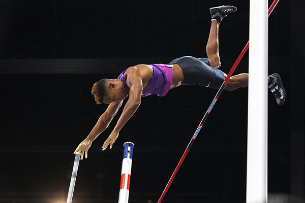 Raphael Holzdeppe, winner of the pole vault in Rouen (Jean-Pierre Durand)