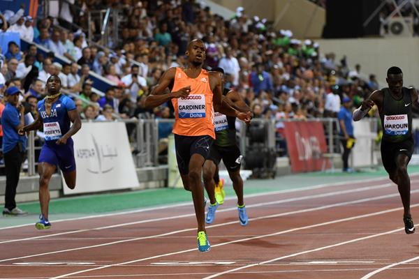 Steven Gardiner wins the Doha 400m (Hasse Sjogren)