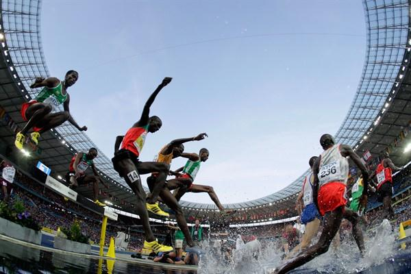 Athletes compete in the men's 3000m Steeplechase final during the 12th IAAF World Championships in Athletics (Getty Images)