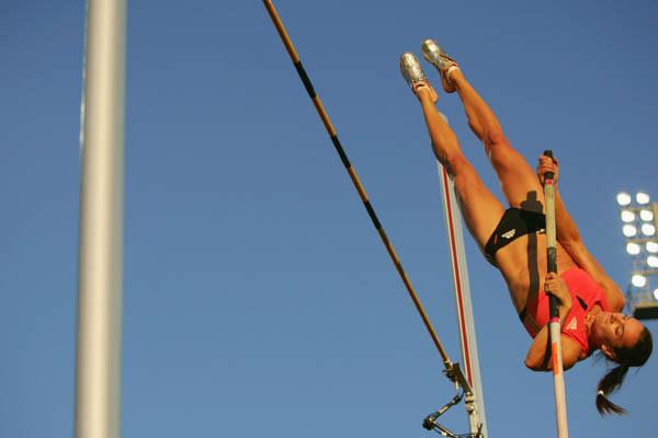 Yelena Isinbayeva winning in Oslo's Golden League meeting (Getty Images)