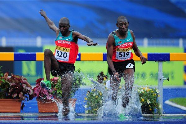 Silver medalist Gilbert Kiplangat Kirui (l) and gold medalist Conseslus Kipruto (r) in the Boys 2000m steeplechase final - WYC Lille 2011 (Getty Images)