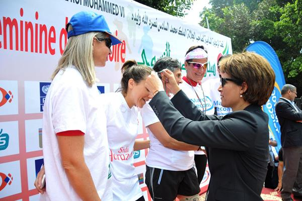 Nezha Bidouane giving out medals at the 2015 Victoire à Rabat (organisers)