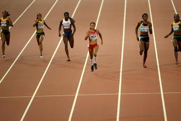 Allyson Felix pulls away to win the 400m at the IAAF World Championships, Beijing 2015 (Getty Images)