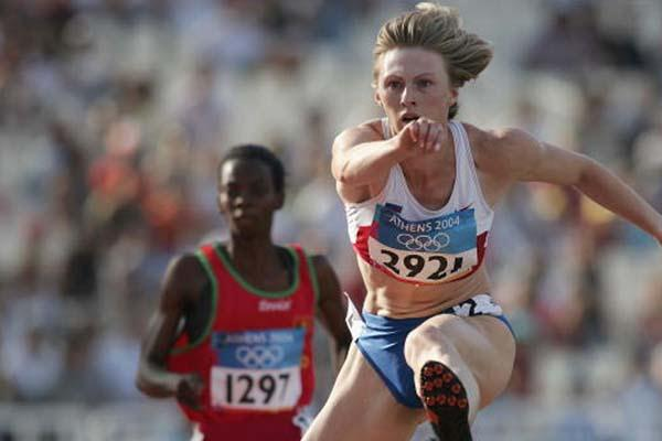 Yuliya Pechonkina of Russia wins her 400m Hurdles heat (Getty Images)