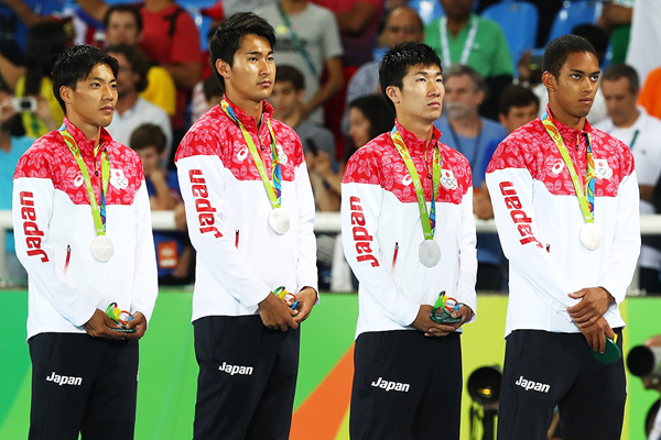 The Japanese 4x100m team with their silver medals at the Rio 2016 Olympic Games (Getty Images)