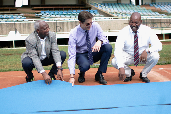 IAAF CEO Olivier Gers with LOC Chair Jackson Tuwei and CEO Michael Mwangi Muthee in Nairobi (LOC)