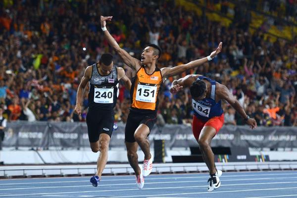Khairul Hafiz Jantan winning the SEA Games 100m title in Kuala Lumpur (Zulhelmie Azri)