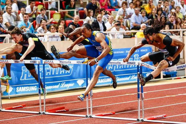 Aries Merritt en route to another 12.93, this time in Monaco (Philippe Fitte)