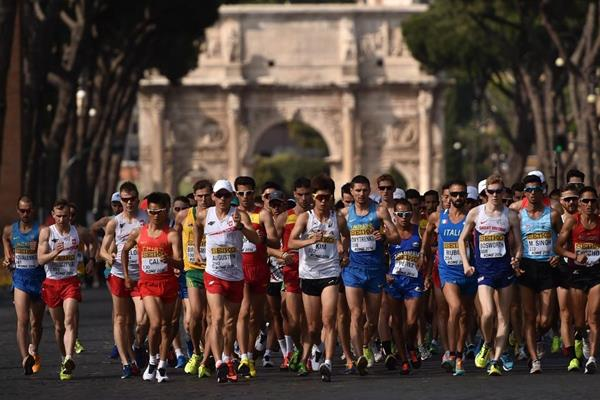 The start of the men's 20km at the IAAF World Race Walking Team Championships Rome 2016 (Getty Images)