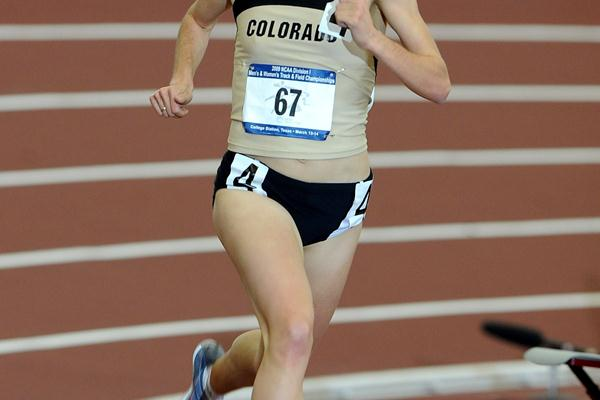 Jenny Barringer of the University of Colorado in the 2009 NCAA Indoor 3000m (Kirby Lee)