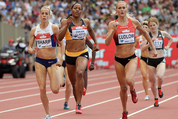Shelayna Oskan-Clarke on her way to winning the 800m at the IAAF Diamond League meeting in London (Kirby Lee)