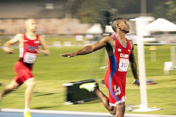 Cuba's Reynier Mena, winner of the 200m at the 2013 Pan-American Junior Championships (Julio César Sandoval)
