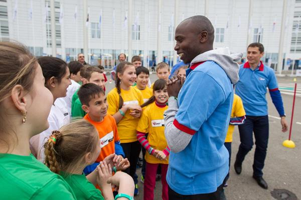 Wilson Kipketer at the IAAF / Nestlé Kids' Athletics event in Sochi (Getty Images)