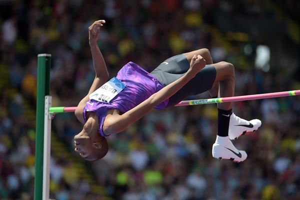 Mutaz Essa Barshim at the 2015 IAAF Diamond League meeting in Eugene (Kirby Lee)