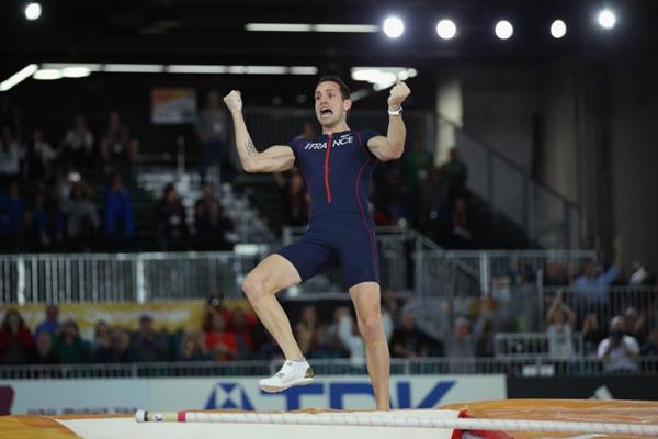 Renaud Lavillenie wins the pole vault at the IAAF World Indoor Championships Portland 2016 (Getty Images)