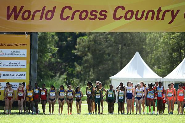 Start of the senior women's race at the IAAF World Cross Country Championships Kampala 2017 (Roger Sedres)