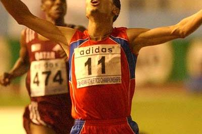 Rashid Ramzi defeats Saif Saeed Shaheen in the 1500m at the Asian Championships (IAAF Correspondent)