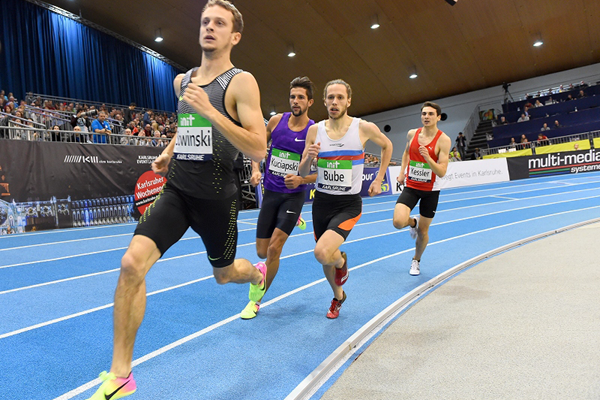 Erik Sowinski leads the 800m at the IAAF World Indoor Tour meeting in Karlsruhe (Jiro Mochizuki)