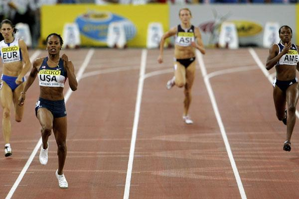 Relentless focus - Sanya Richards en route to  her 48.70 in Athens (Getty Images)