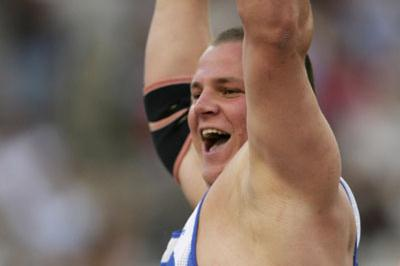 Ralf Bartels celebrates in Athens (Getty Images)
