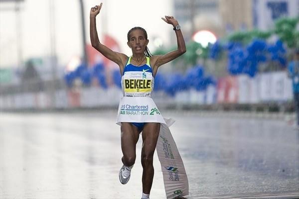 Bezunesh Bekele winning in Dubai (organisers)